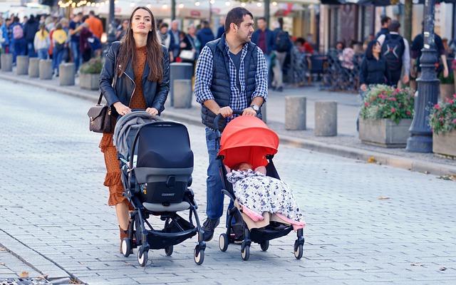 dzieci w wózkach